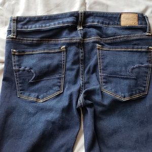 AEO JEANS Size 6 Long